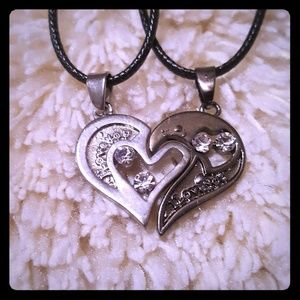 Jewelry - Double heart necklace